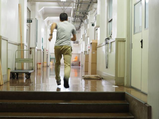 廊下は走ってはいけません