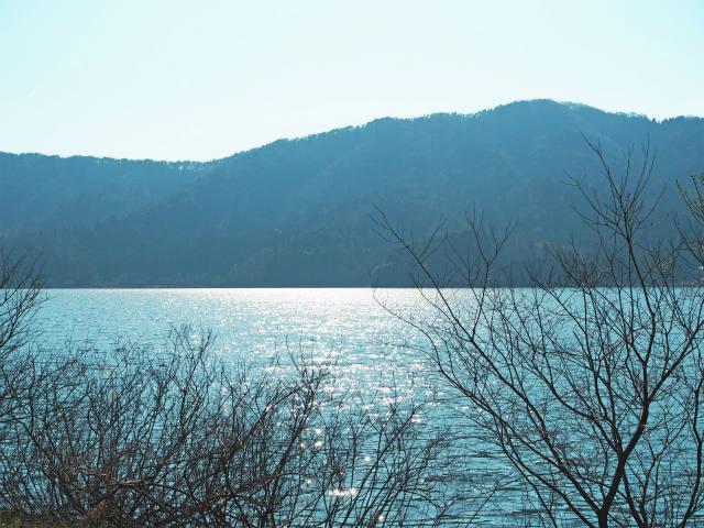 余呉湖畔の長浜くらしノート展へ