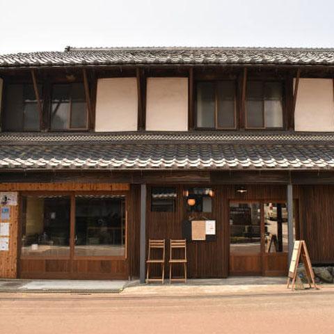 komaiteiカフェ外観